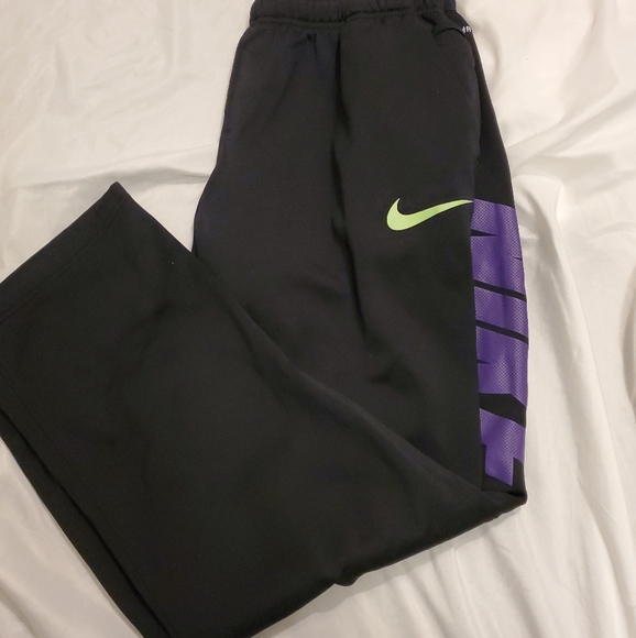 Nike Pants - Nike Therma Fit Womens Large Black Pants.